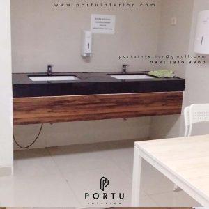 contoh kabinet wastafel kantin design minimalis dari Portu Interior