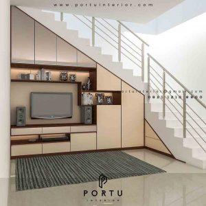 backdrop tv di bawah tangga model minimalis