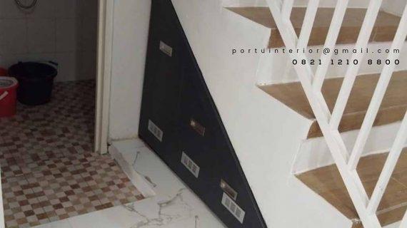 contoh lemari bawah tangga desain minimalis