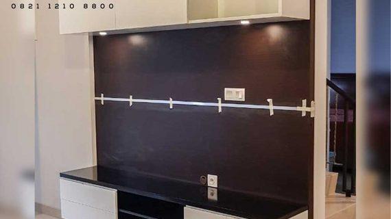 model backdrop tv desain modern finishing hpl