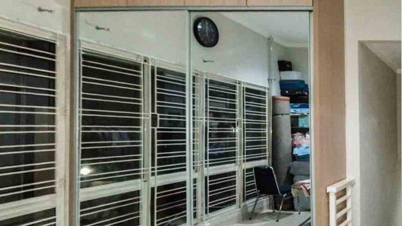 lemari sliding minimalis pintu full kaca