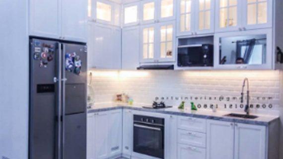 Kitchen Set Klasik Duco Putih Kombinasi Kaca Pasang Di Taman Pahuta Griya Loka BSD Tangerang id4234
