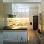 harga kitchen set duco putih denagan meja bar Portu Interior