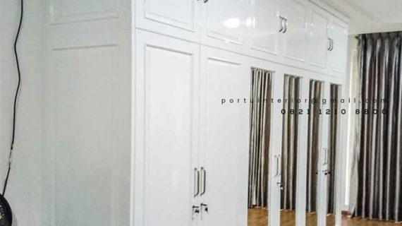 lemari pakaian pintu swing desain semi klasik cat duco