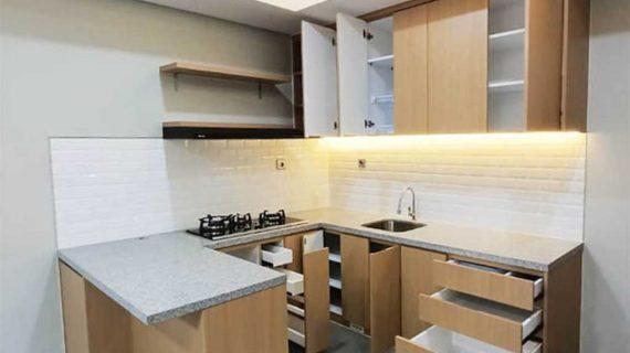 Custom Kitchen Set Motif Kayu Klien di Kencana loka 2 extension Serpong Tangerang ID4867T