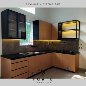 Custom Kitchen Set Motif Kayu di Cengkareng Jakarta Barat id4517pt