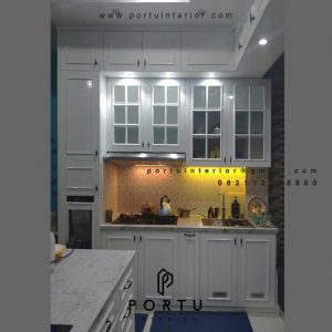 Custom Kitchen Set Warna Putih American Style Cluster The Lakewood Citragran Cibubur Jatisampurna Id4451P