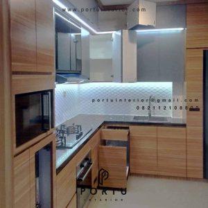 Kitchen Set Motif Kayu Kombinasi Warna Grey Klien di Cilandak Jakarta Id4585PT