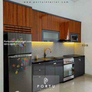 Contoh Kitchen Set Warna Grey Kombinasi Motif Kayu Perumahan Sarua Permai Pamulang Id4832P
