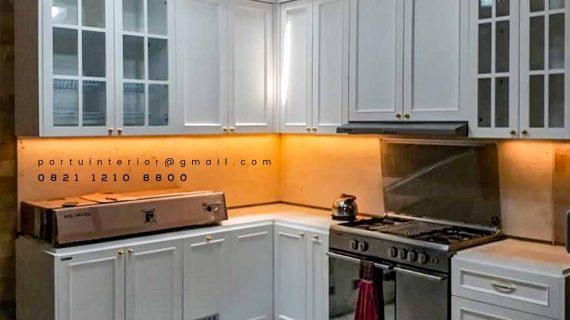 Design Kitchen Set American style Warna Putih Komplek Grand Puri Laras Pisangan Ciputat Tangerang Selatan id3997P