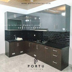 Kitchen Set Minimalis Motif Kayu & Warna Grey Cluster Sierra Metland Transyogi Cileungsi Bogor id4461p.
