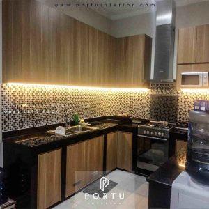 Jual Kitchen Set HPL Motif Kayu Perumahan Griya Loka Bsd Serpong Tangerang id4609p