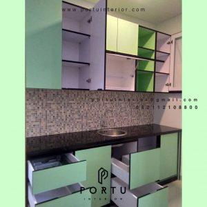 Buat Kitchen Set HPL Light Green Perumahan Amaya Townhouse Cipedak Jagakarsa 4612PT