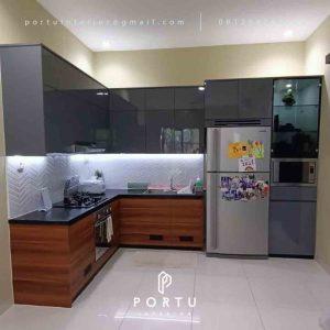 Harga Kitchen Set Per Meter Motif kayu & Grey Perumahan Kalibata Timur Residence Pancoran Jakarta Id4703