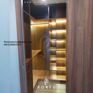 Lemari Pakaian Terbuka Motif Kayu Apartemen Branz Cilandak Jakarta ID4797