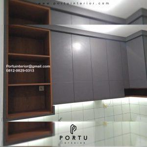 Custom Kitchen Set HPL Motif kayu & Grey Cluster Dhana Suvarna Jati Sindang Jaya Tangerang ID4732P
