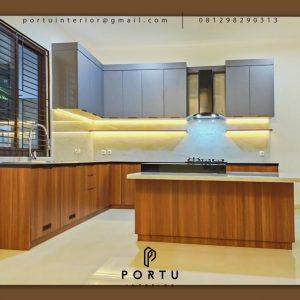 Jual Kitchen Set HPL Motif Kayu & Grey Perumahan Kayu Putih Pulo Gadung Jakarta Timur ID5045P