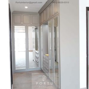 Walk In Closet Semi Klasik Grey Cluster Violin Golf Island Pik Penjaringan Jakarta Utara ID4969P